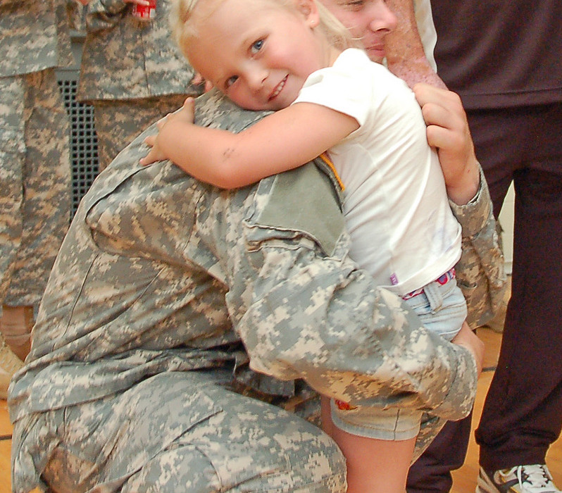 us-army-hug