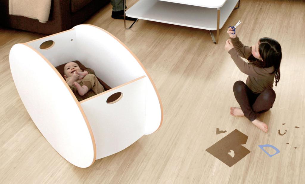 So-Ro modern bassinet in white | Cool Mom PIcks