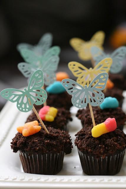 Garden party ideas: dirt cupcakes