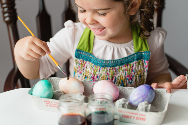 9 ways kids can decorate Easter Eggs without dyeing them