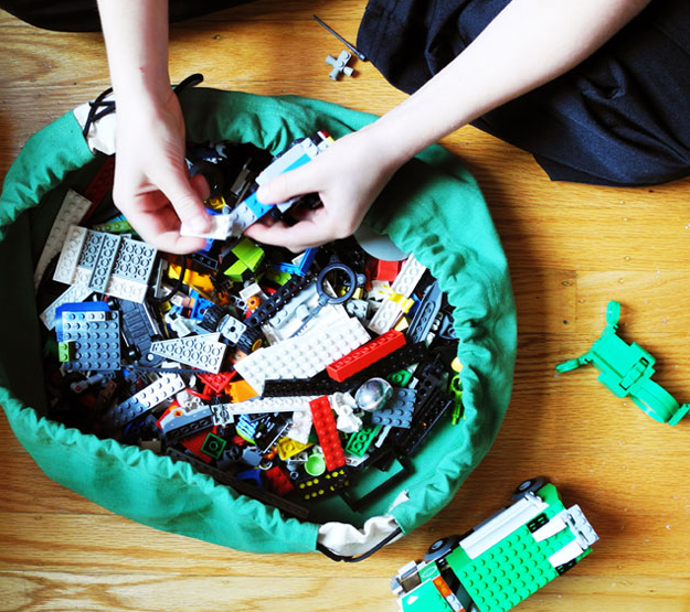 Swoop bags for LEGOS get more portable. Whoo!
