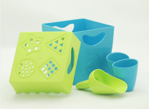 Beach toys that are good for toddlers and the earth