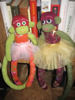 Looking to jazz up your kid's room? Put a sock (monkey) in it