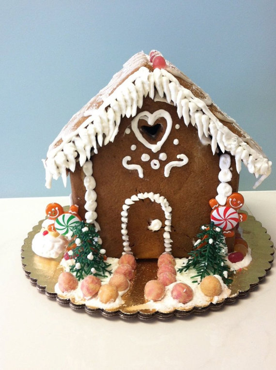 Sweet and safe: an allergy-free gingerbread house kit