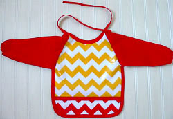 The full body baby bib, for full contact baby feeding