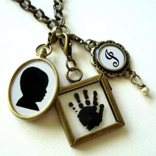 Beautiful custom Mother's Day pendants–or pendants that make every day Mother's Day