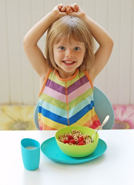 Dishes for kids that are safer than plastic – they only look like plastic