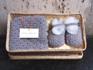 A crocheted gift set for those who can't really crochet