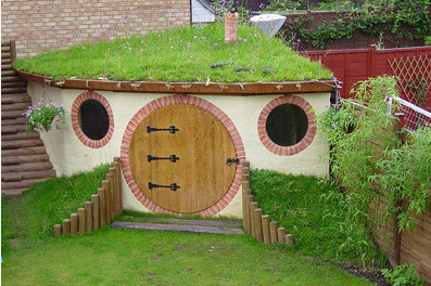 13 of the most outrageous playhouses: Don't show your kids!