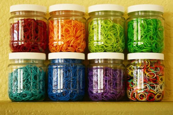 Rainbow Loom storage jars | Cool Mom Picks