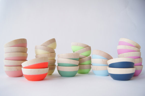 Wooden bowls + color = fabulousness