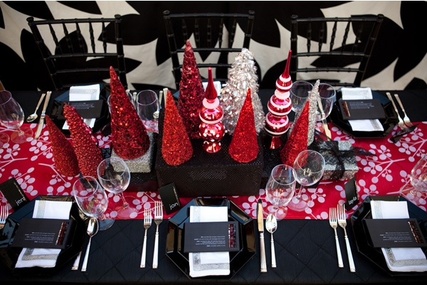 Gorgeous modern holiday table settings for some festive inspiration. And uh, hold the Waterford.