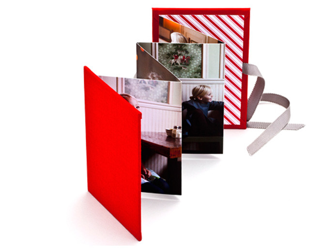 holiday gift: mini accordion brag book | cool mom picks