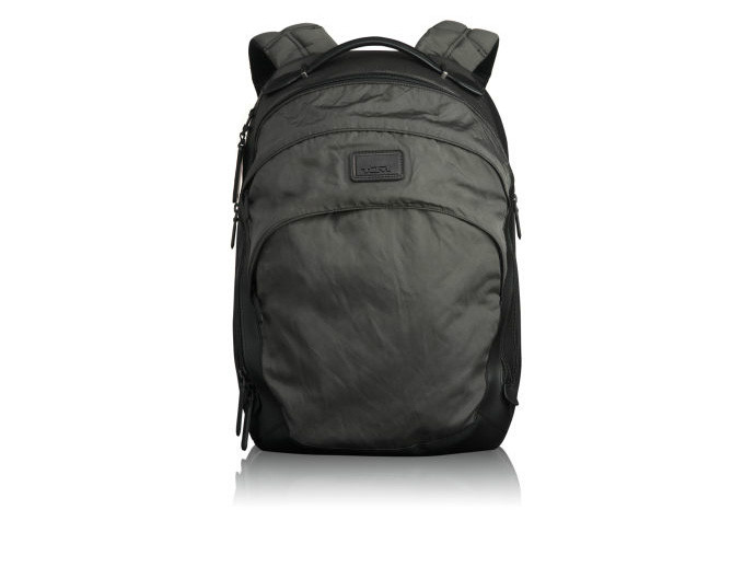 holiday gift: tumi backpack | cool mom picks