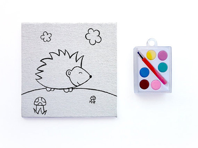 holiday gift: hedgehog paint your own canvas | cool mom picks