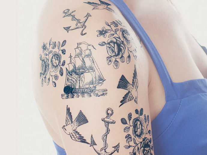 holiday gift: nautical temporary tattoo set | cool mom picks