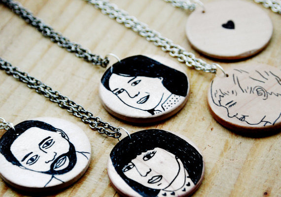 Custom portrait pendants by Todd Borka | Cool Mom Picks