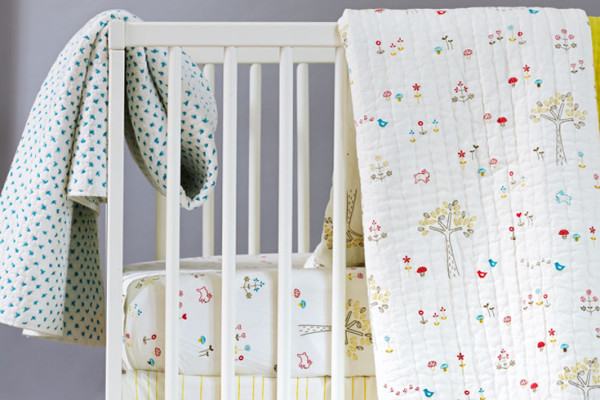 Little Auggie gender neutral crib bedding | Cool Mom Picks