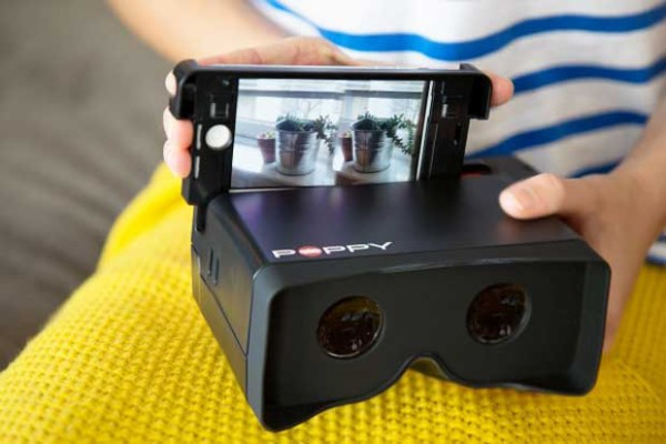 Poppy 3d iPhone View Finder Camera | Cool Mom Tech