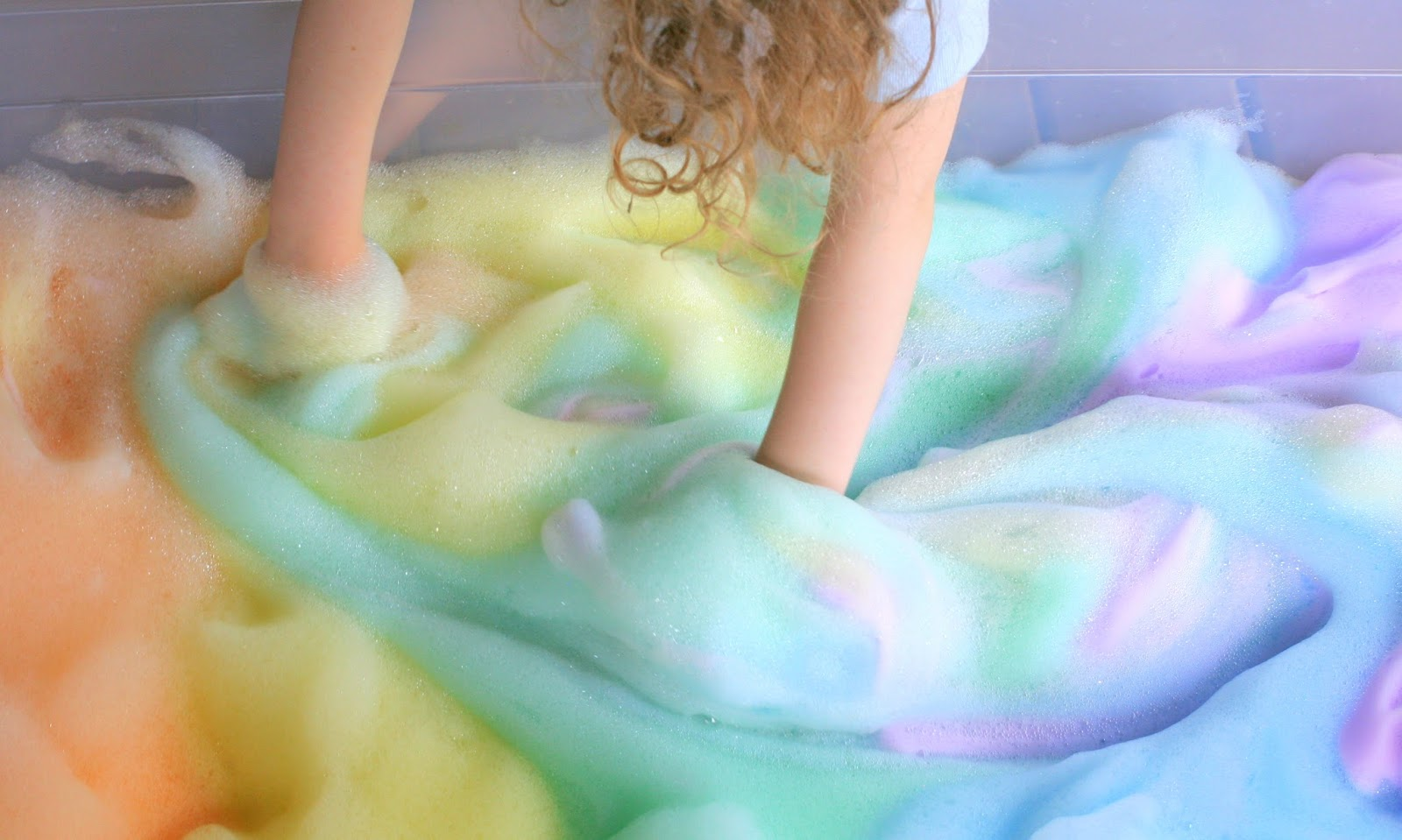 Web Coolness: How to make rainbow bubbles, boys and dolls, and no more celebrity baby photos?