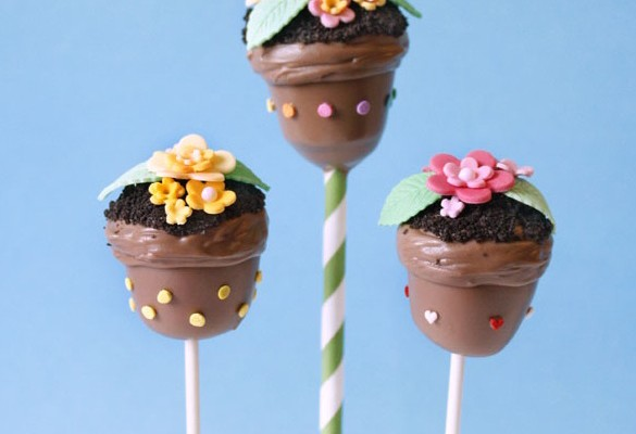 Easter cake pops: Flowerpot Cake Pops at Niner Bakes | Cool Mom Picks