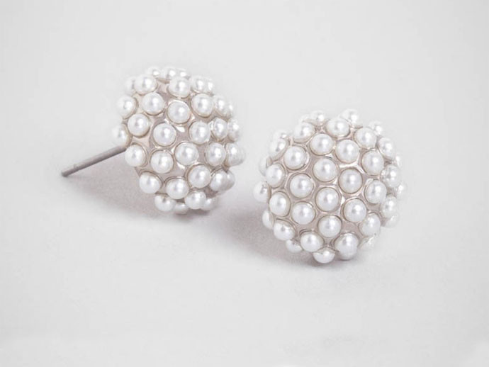 mother's day gift: pearl pop studs  | cool mom picks