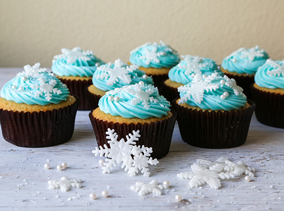 Frozen movie party recipes at Cool Mom Picks: Snowflake Cupcakes from The Chi