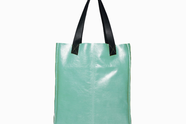 Pretty leather summer totes: The Tracy Tote by Ellington on Cool Mom Picks