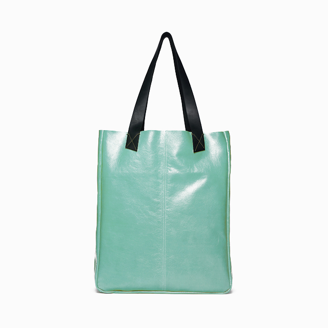 Pretty leather summer totes, now made in the U.S.A.
