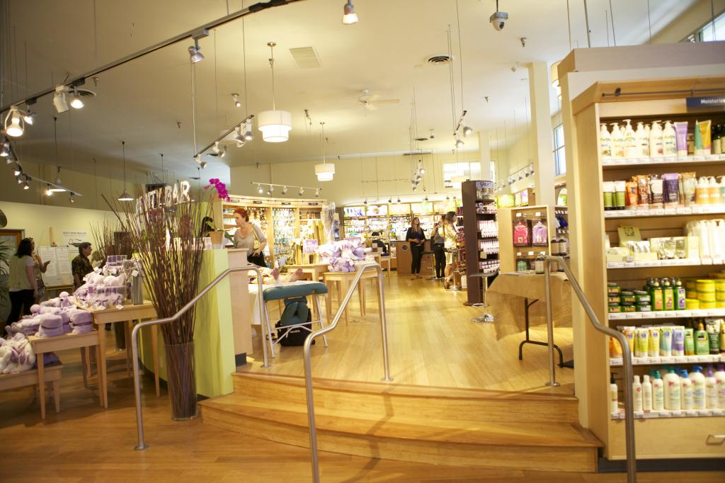 Pharmaca delivers an eco-conscious, calming shopping experience. That's a good prescription.
