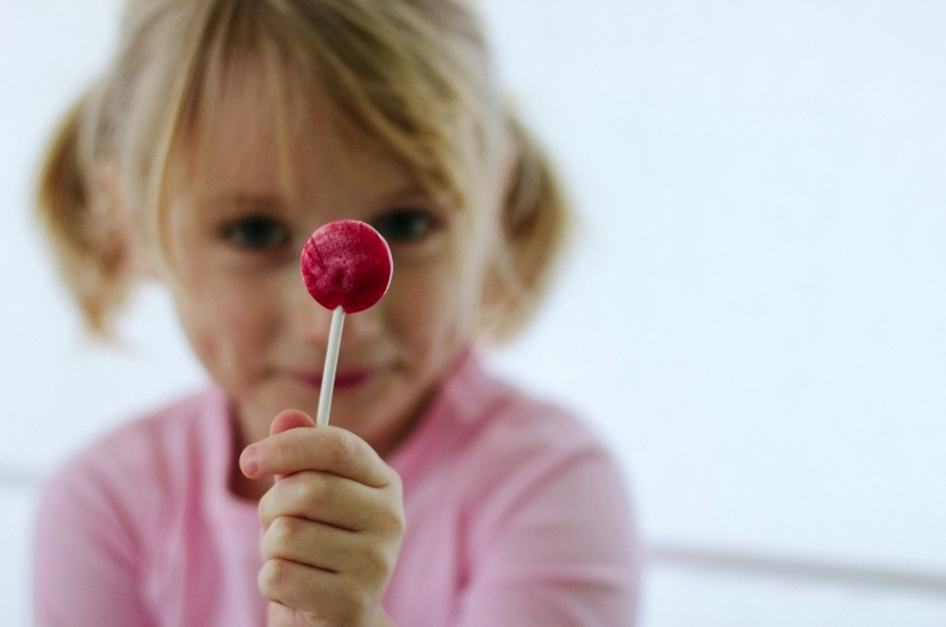 Tips for a safer Halloween for kids with nut allergies | Cool Mom PIcks