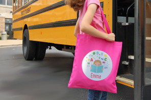 Adorably personalized library tote bags give kids one more reason not to lose those books.