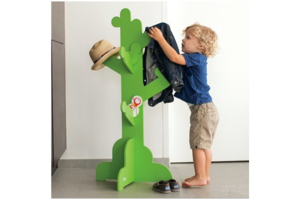 Cool wall hooks for kids: P'kolino Safari clothes tree