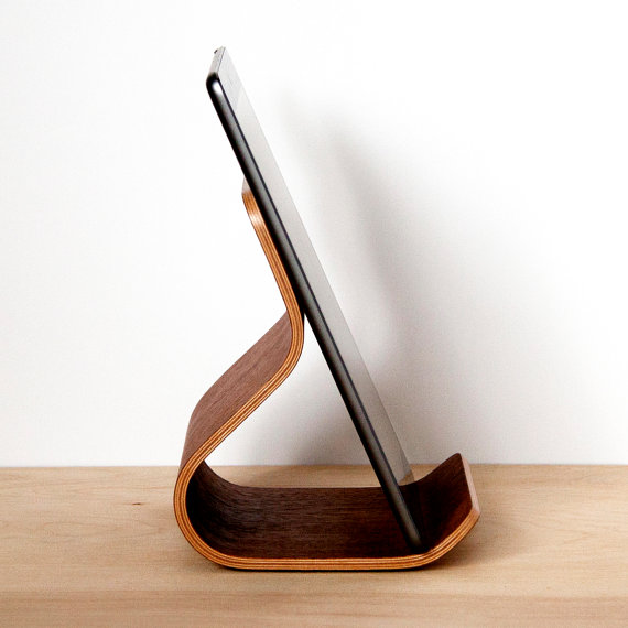 Handmade plywood home accessories: Tablet stand at Ciseal
