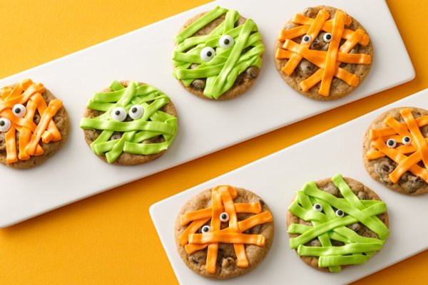 Cool Mom Picks best semi-homemade Halloween snacks | Halloween Mummy Cookies at Pillsbury