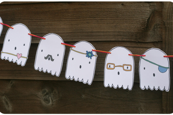 Printable Halloween garland that kids can color by Ginger & George