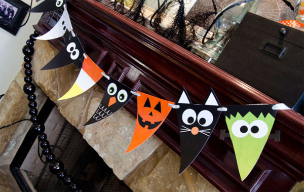 Printable Halloween Party: Printable Halloween Characters Banner from Love the Day