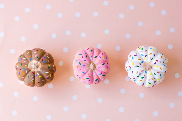 No-carve pumpkin decorating ideas: Painted donut pumpkins at Studio DIY
