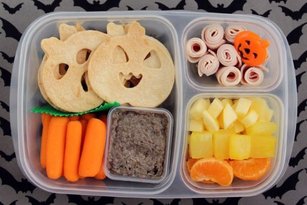 Halloween lunchbox idea: Cut tortillas with cookie cutters