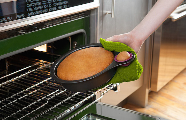 Quirky Nibble cake pan   Cool Mom Picks