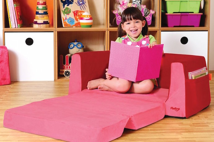 P'kolino chair helps make reading fun for young kids