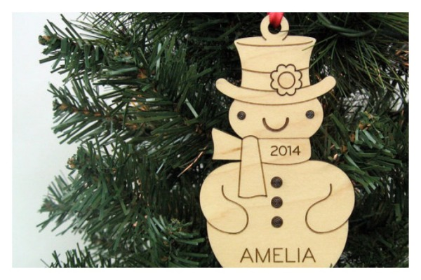 Personalized wooden ornaments for kids: Such a cute snowman!