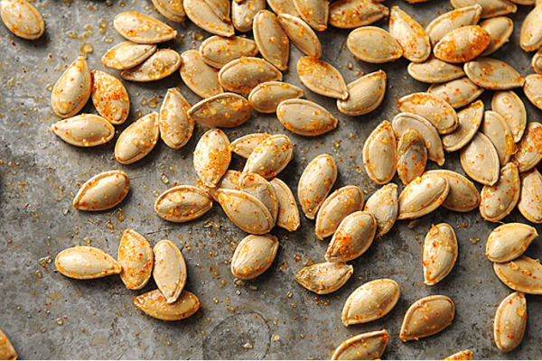 How to roast pumpkin seeds | She Wears Many Hats