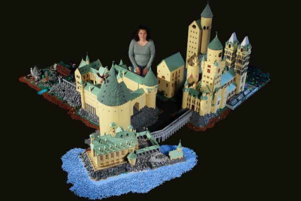 LEGO Hogwarts made by Alice Finch