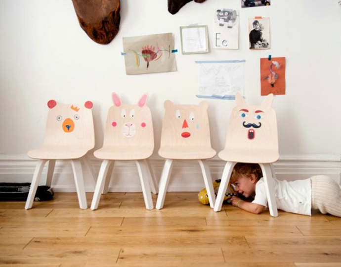 Bringing a little smile to your kid's room with a chair