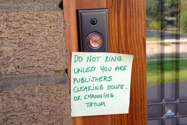 A series of funny doorbell notes from moms with sleeping babies