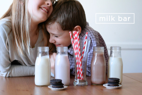Kitchen projects to do with kids: Make a flavored milk bar | Classic Play