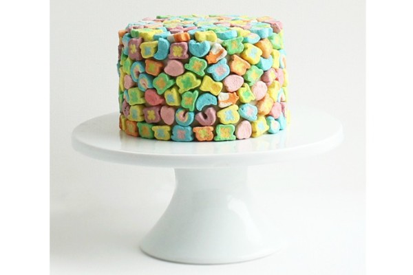 4 Lucky Charms dessert recipes like this cake by Alana Jonesmann