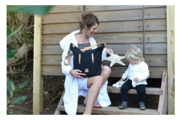 Pacapod Idaho hobo diaper bag stays organized.