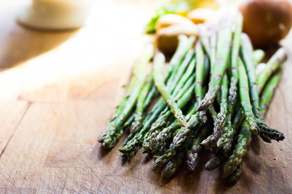 Asparagus recipes: Creamy Asparagus Soup | Feasting at Home